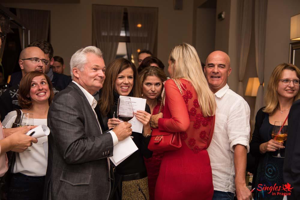 Seznamovací večírek pro starší - Singlesinprague - Hotel Sovereign